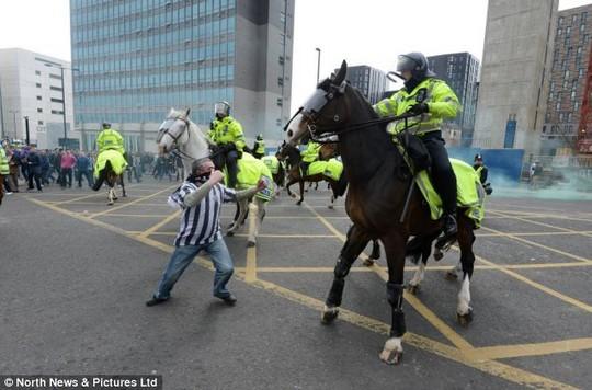 Incidente - Pagina 2 Newcastle_riots_1