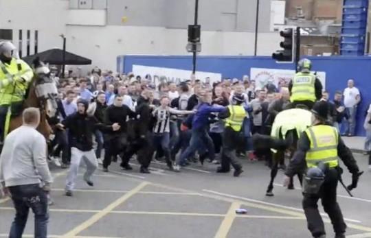 Incidente - Pagina 2 Newcastle_riots_4