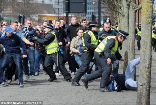 Incidente - Pagina 2 Newcastle_riots_5