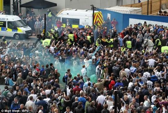 Incidente - Pagina 2 Newcastle_riots_7