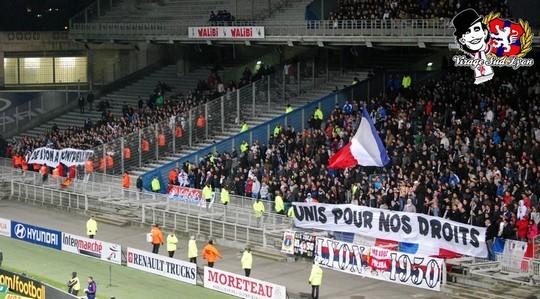 Le Mouvement en France . - Page 12 Badgones_25_celebration_13