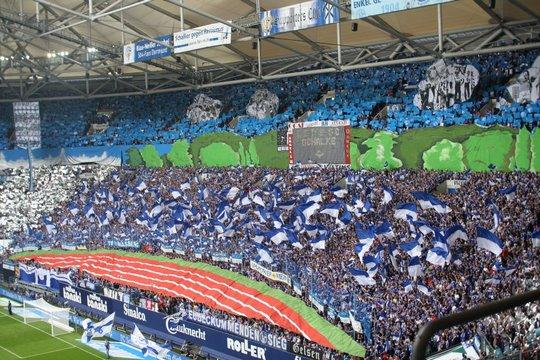 http://www.ultras-tifo.net/images/stories/reports/2012-2013/germany/schalke-augsburg/11.jpg