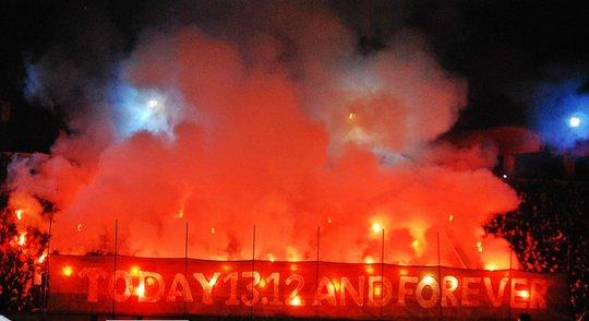 Ultras Choreos (Pyro, Flags, Smokes) - Page 8 6