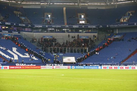 Le Mouvement en Allemagne . - Page 8 Schalke-bvb_17