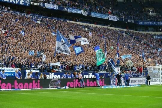 Le Mouvement en Allemagne . - Page 8 Schalke-bvb_20