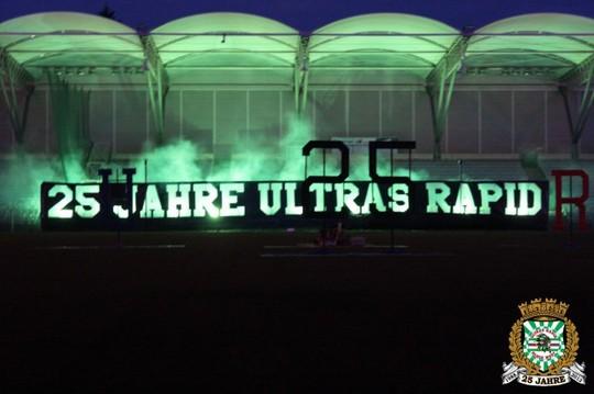 Le mouvement en Autriche - Page 2 Ultras_rapid_25_years_25