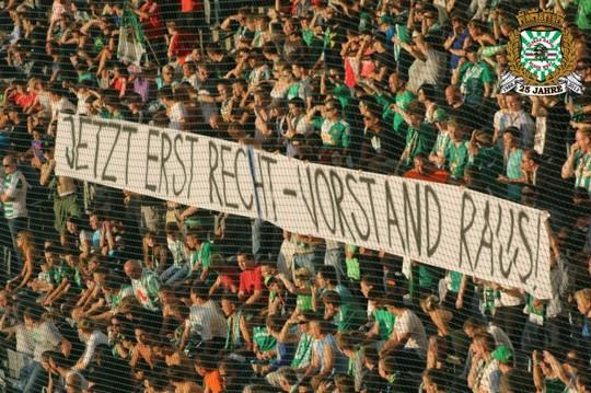 Le mouvement en Autriche - Page 2 Rapid-psg_12
