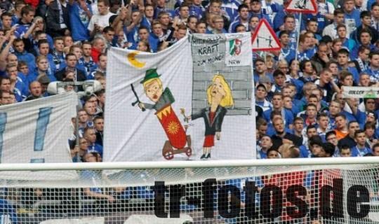Le Mouvement en Allemagne . - Page 8 Schalke-bayern_11