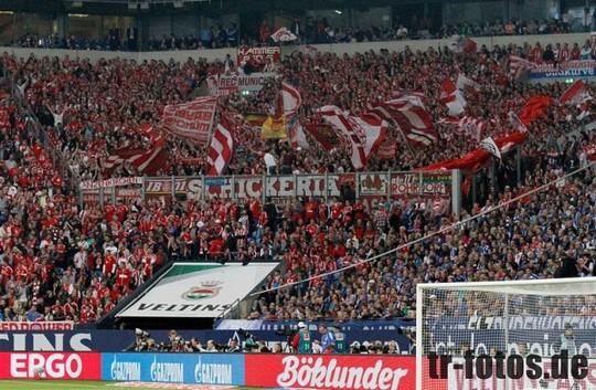 Le Mouvement en Allemagne . - Page 8 Schalke-bayern_13