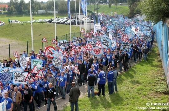 Le Mouvement en Allemagne . - Page 8 Schalke-bayern_2