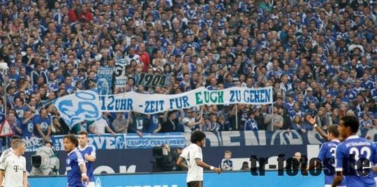 Le Mouvement en Allemagne . - Page 8 Schalke-bayern_5