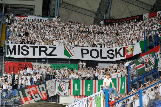 Le mouvement en pologne - Page 5 Lech-legia_18