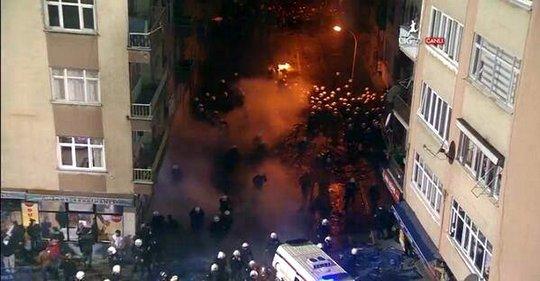 Матч Трабзонспор - Фенербахче не был доигран из-за беспорядков на трибунах - изображение 3
