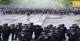 Riots after Dynamo Dresden's promotion to 2. Bundesliga